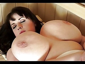 Pretty BBW Likes Sauna Sex