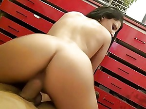X-rated portray dresser girl Aysha Rouge nailed for effects