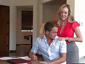 Jummy rubdown from one ultra-kinky blonde mommy