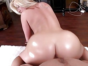 White dame with a fat ass fuck firm