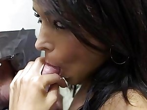 Hottie captivates a lusty manhood with sucking