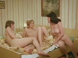 vintage - german 1975 - Bienenstich Im Liebesnest - 01