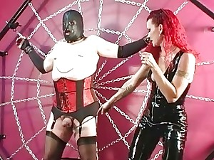 Dominatrix Melissa penalizes yellow-belly resultant